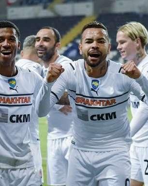 Com golaço de Dentinho e show de brasileiros, Shakhtar Donetsk vence o Chornomorets na Copa da Ucrânia
