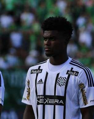 Santos encaminha a contratação do zagueiro Eduardo Bauermann