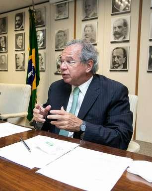 Guedes chama Marcos Pontes de burro e questiona gestão