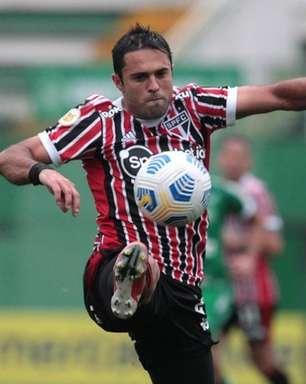 Eder busca retomar espaço no São Paulo com Rogério Ceni; veja números do atacante na temporada