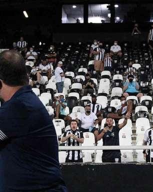 Enderson lamenta ação do Goiás pela torcida visitante contra o Botafogo: 'A gente sempre joga pelo torcedor'