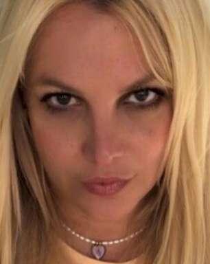 """Britney Spears acusa sua família de te """"machucar mais do que você jamais imaginaria"""""""