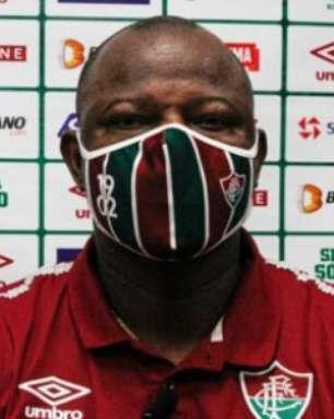 Marcão destaca comprometimento em derrota, mas lamenta gols em bons momentos do Fluminense
