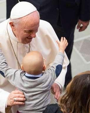 'Papa está bem e com energia', diz médico argentino