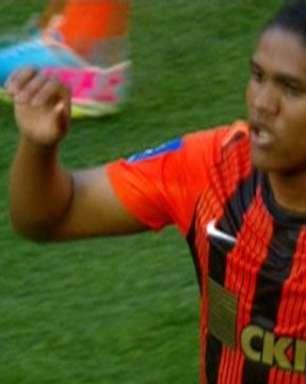 Shakhtar sai na frente do Metalurg com golaço de brasileiro