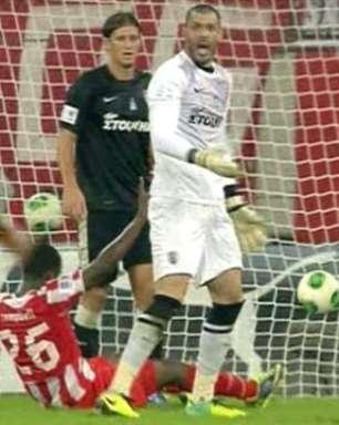Campbell aproveita falha da zaga do PAOK e abre a goleada