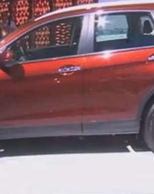 CR-V 2015 firma nova identidade visual da Honda