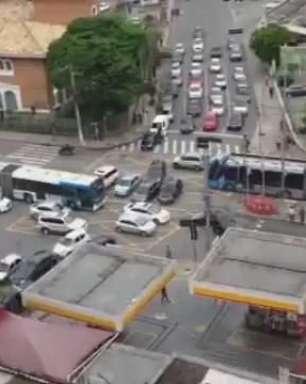 SP: semáforo quebra todos os dias e gera caos em cruzamento