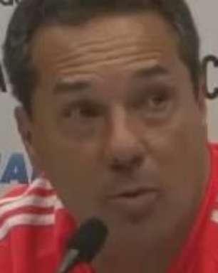 Luxemburgo diz que árbitro foi conivente com faltas do Bota