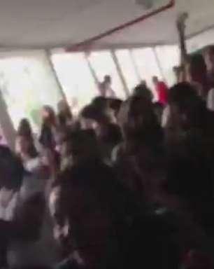 Estudantes de SP fazem ato de apoio a professores em greve