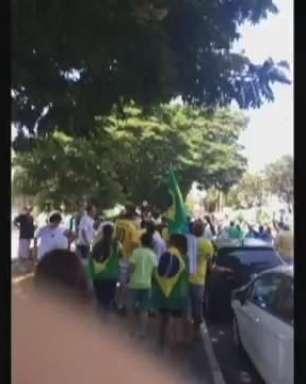 SP: população de Ribeirão Preto vai às ruas contra Dilma