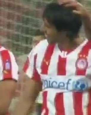 Olympiacos goleia Levadiakos por 4 x 0 e é pentacampeão grego