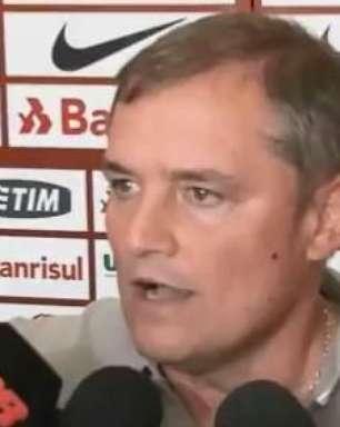 """Aguirre elogia novo lateral: """"quem sabe vai para Seleção"""""""