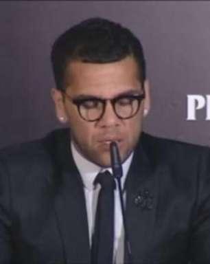 Dani Alves aponta lesão e só vai para Copa América 100%
