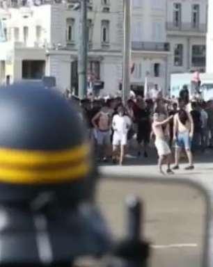 Fifa condena cenas de violência entre torcedores em Marselha