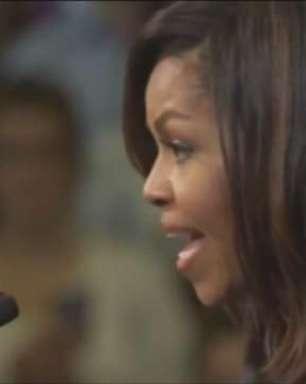 """Michelle pede um """"basta"""" a Trump por desrespeito às mulheres"""