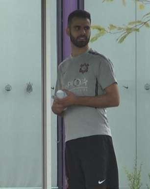 Ex-zagueiro do São Paulo treina no Corinthians