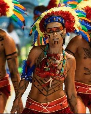 Polêmica do Carnaval: uso de cocar e adereços indígenas como fantasia divide indígenas