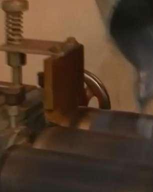 Engenheiros indianos transformam escape de diesel em tinta