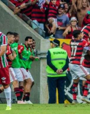 Veja os gols da vitória do Flamengo sobre o Fluminense no Maracanã