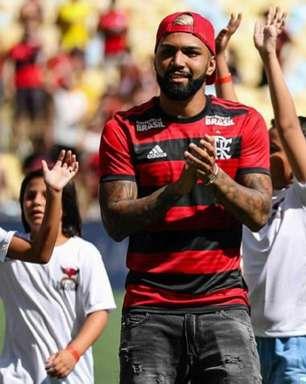 Gabigol e Arrascaeta são apresentados à torcida do Flamengo no Maracanã