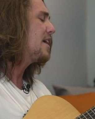 "Vitor Kley quer fazer ""O Sol"" brilhar no Lollapalooza"