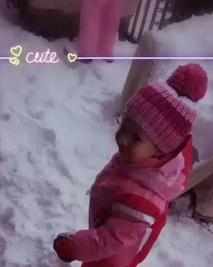 Thais Fersoza mostra a 1ª vez de Melinda e Teodoro na neve: 'Estão pirando!'