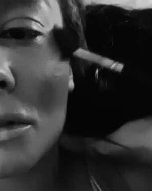 Maiara aparece de sutiã sendo maquiada e detalhe rouba e cena. Veja o vídeo!