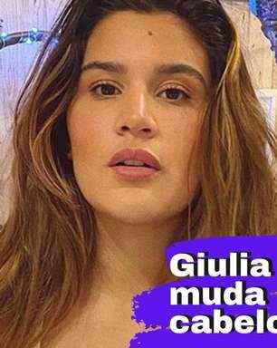Giulia Costa muda cor de cabelo sozinha em casa