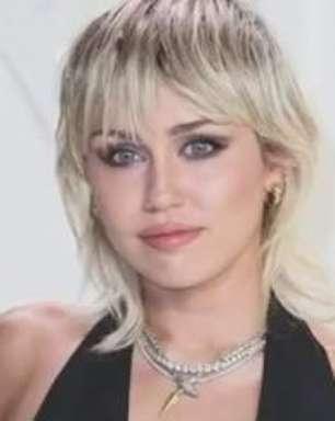 Miley Cyrus incentiva fãs a votarem nas eleições americanas