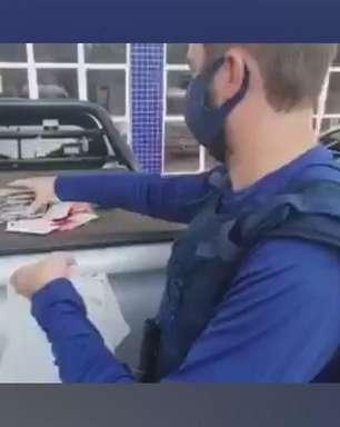 Quatro ônibus carregados com mercadorias estrangeira são detidos
