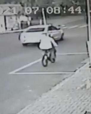 Câmera registra forte batida que deixou jovem ferida no Bairro Interlagos