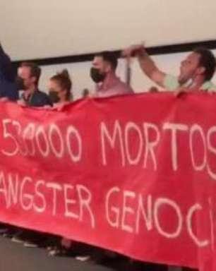 Em Cannes, protestos contra Bolsonaro na première do novo filme de Karim Aînouz