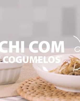 Gnocchi com ragu de cogumelo