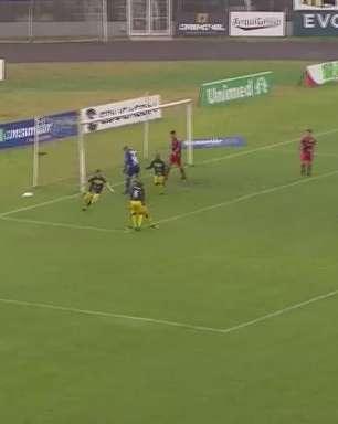 FC Cascavel joga bem, vira sobre o Athletico e está na final do Paranaense