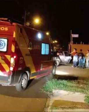 Gestante é atendida por socorristas em acidente de trânsito no Loteamento Siena