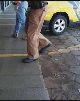 Jovem é detido por embriaguez ao volante depois de batida na Rua Rio da Paz