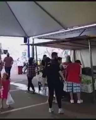 Feira do Pequeno Produtor encerra atividades no estacionamento do Teatro Municipal