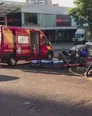 Motociclista fica ferido em acidente no Centro de Cascavel