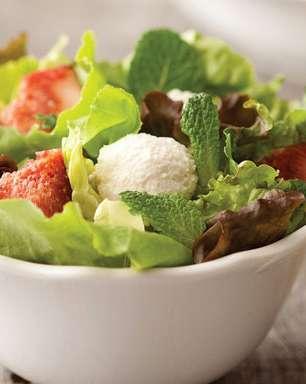 Salada com figo e bolinhas de ricota