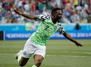 Musa comemora o seu segundo gol contra a Islândia  o segundo gol da Nigéria  na Copa do Mundo. (Foto  Toru Hanai Reuters) b7196e9924186