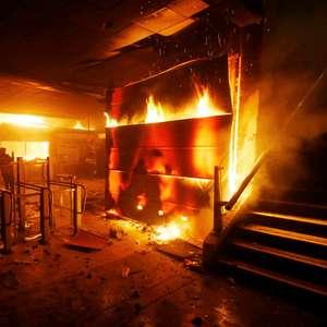 Protestos no Chile deixam três mortos na capital do país