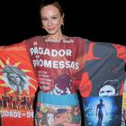Vestido-manifesto de Mariana Ximenes vai muito além da moda
