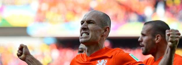 Grupo B: direta, Holanda teve menos passes até que Austrália