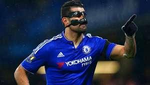 Chelsea atropela com show do ataque e D. Costa