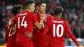 Bayern goleia sérvios; Tottenham empata com gol de Lucas