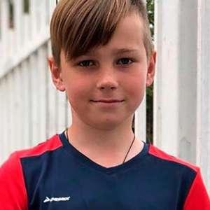 Menino de 11 anos morre após invadir gaiola de ursos em zoo