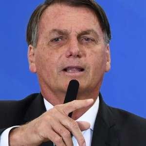 """Bolsonaro dispara contra a Globo e fala em """"perseguição"""""""