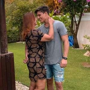 Mãe de Neymar reata namoro com modelo Tiago Ramos