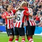 Andrés Guardado y el PSV se llevan la victoria en el Clásico